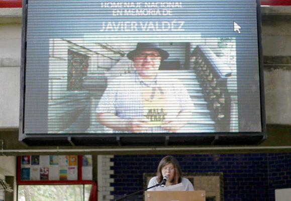 Obra de Javier Valdez: Estudiantes de la Ibero hacen lectura estremecedora
