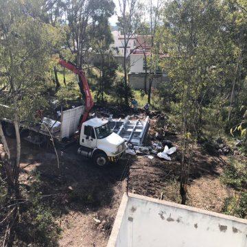 Colonos denuncian instalación de antena en La Calera; exigen a Claudia Rivera clausura de la obra por ilegal
