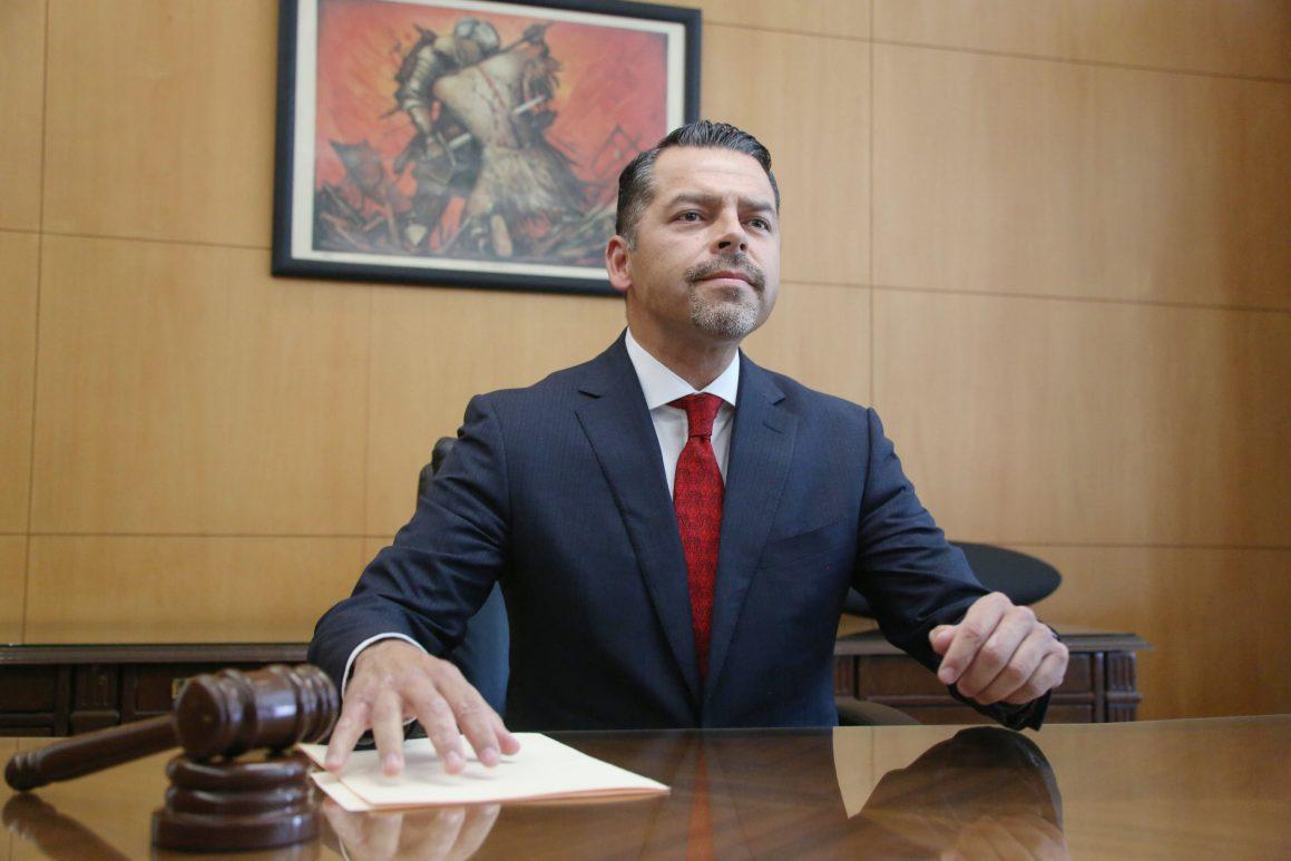 Dominan influencias y nepotismo en el TSJ; litigantes exigen renuncia de Héctor Sánchez