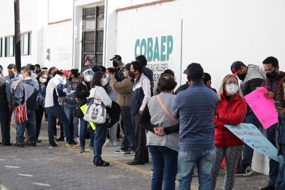 Agremiados al Sitracobp instalaron plantón en Colegio de Bachilleres, exigen frenar despidos