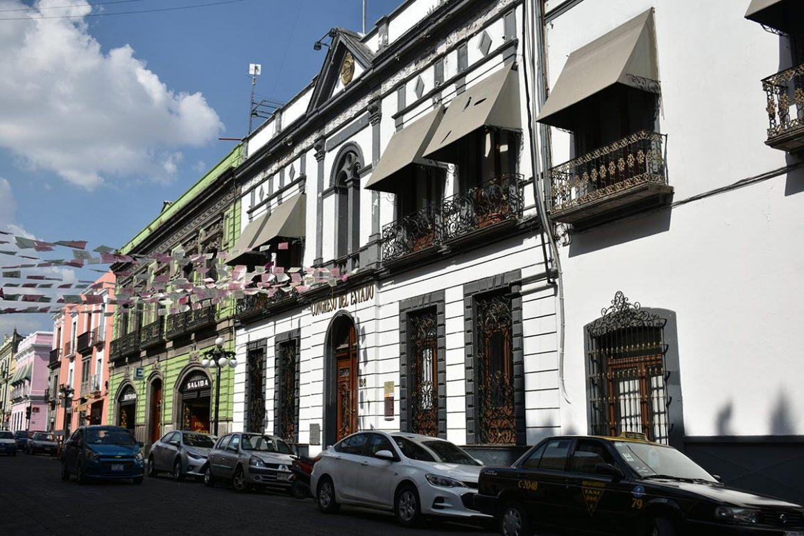 Asesinan a transexual en hotel ubicado en inmediaciones del Congreso de Puebla