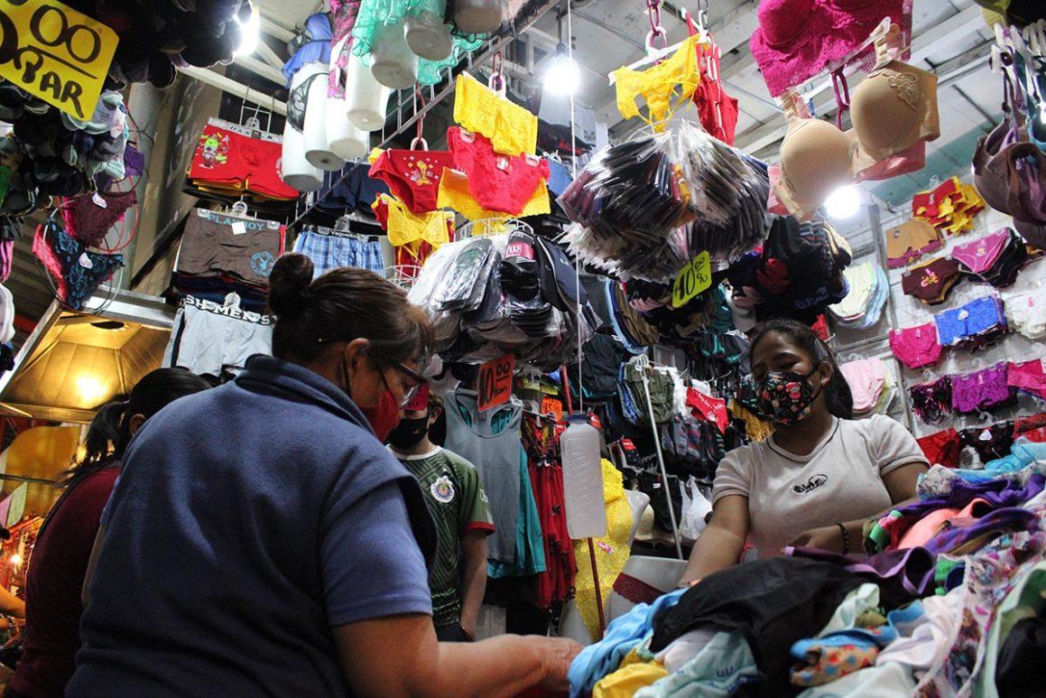 Por segundo día comercios del Centro Histórico ignoran suspensión de actividades